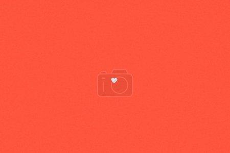 Photo pour Petit symbole de coeur blanc isolé sur fond rouge - image libre de droit