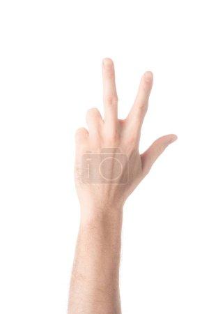 vista parcial del hombre mostrando el número 3 en lengua de signos aislado en blanco