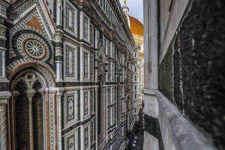Photo pour Vue extérieure de la cathédrale Duomo di Firenze, Cathedral of Saint Mary de fleur, Florence, Italie, Europe 8 mars 2018 - image libre de droit