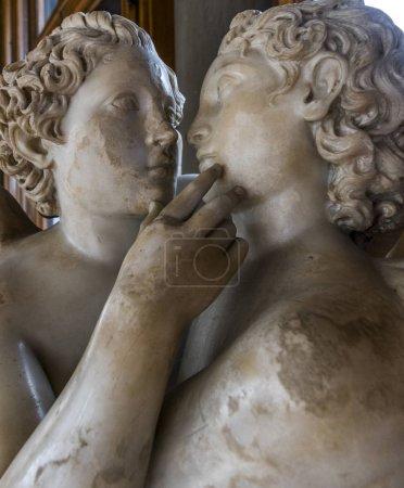 Photo pour Gros plan des statues dans la Galerie des offices, Florence, Italie, Europe - image libre de droit