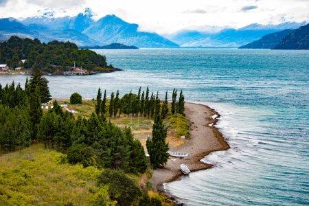 Foto de Fotografía del Paiseje de Puerto Rio Tranquilo al atardecer. Camino austral. Región de Aysen. Chile - Imagen libre de derechos