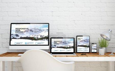 escritorio múltiples dispositivos con capacidad de respuesta web en pantallas. Render 3D