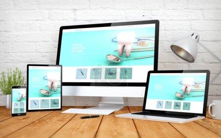 Photo pour Rendu 3D avec multidevices avec le site Web de la clinique dentaire responsive design - image libre de droit