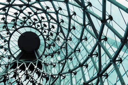 Photo pour Image de détail de Architecture moderne de bâtiment en verre - image libre de droit