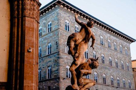 Statue of Ratto delle Sabine, Loggia de Lanzi, Piazza della Sig in Florence, Italy