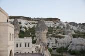 """Постер, картина, фотообои """"традиционные здания и величественных скал в Каппадокии, Турция"""""""