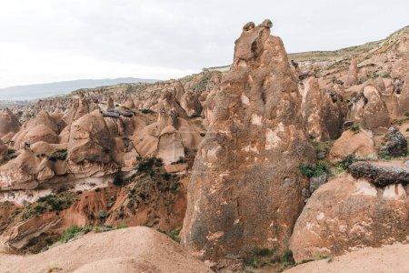 Photo pour Formations rocheuses érodées magnifiques en Cappadoce, Turquie - image libre de droit
