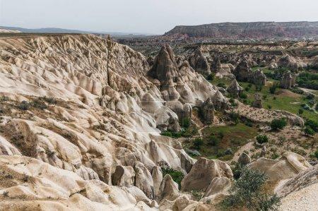 Photo pour Vue aérienne du majestueux paysage à goreme national park, Cappadoce, Turquie - image libre de droit