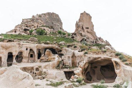 Photo pour Vue panoramique sur les grottes calcaires du célèbre parc national de Goreme, la cappadoce, la dinde - image libre de droit