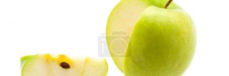 Photo pour Tranche est coupé d'une grosse pomme verte fraîche. - image libre de droit