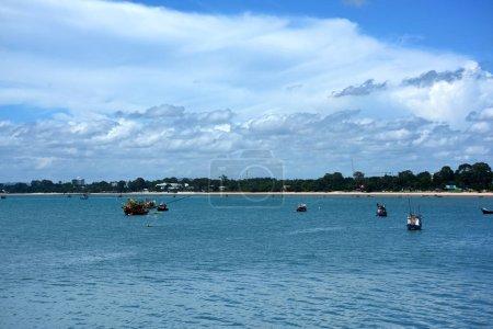Photo pour Bateaux dans le port de mer - image libre de droit