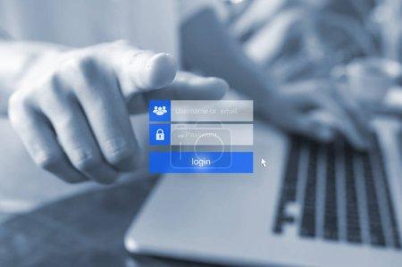 Photo pour Doigt de la femme à l'aide de connexion interface sur écran tactile. Toucher les entrées boîte, nom d'utilisateur et mot de passe de connexion sur ton écran numérique virtuel, bleu. - image libre de droit