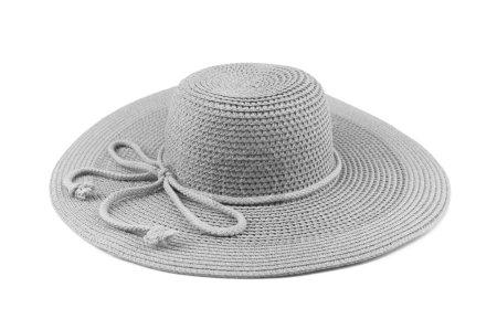 Photo pour Chapeau de femme élégant ou grand chapeau de paille d'été isolé sur fond blanc . - image libre de droit