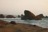 """Постер, картина, фотообои """"Вид красивых скал в водах Тихого океана."""""""
