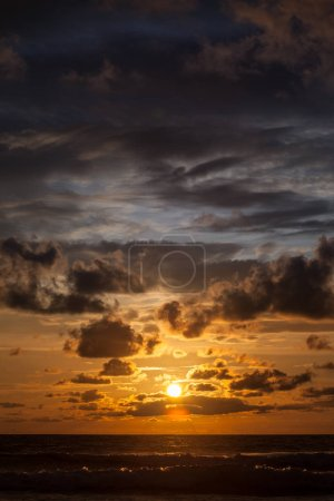 Photo for Beautiful sunset over Indian Ocean, dramatic sky - Royalty Free Image