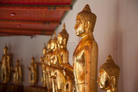 Photo pour Statue de Bouddha en Thaïlande Temple de Wat Pho - image libre de droit