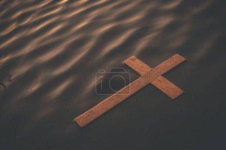 Photo pour Croix en bois flottant à la surface de l'eau à l'aube. Baptême d'image conceptuelle - image libre de droit
