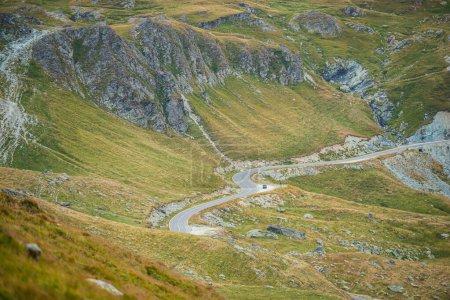 Photo pour Paysage naturel des hautes montagnes - image libre de droit
