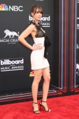 LAS VEGAS - MAY 20:  Alison Brie at the 2018 Billboard Music Awards at MGM Grand Garden Arena on May 20, 2018 in Las Vegas, NV