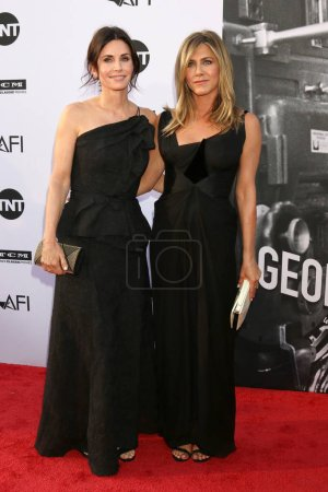 LOS ANGELES - JUN 7:  Courteney Cox, Jennifer Aniston at the American Film Institute Lifetime Achievement Award to George Clooney at the Dolby Theater on June 7, 2018 in Los Angeles, CA