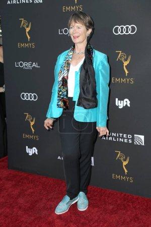 Foto de Los Angeles - Sep 15: Celia Imrie en la Academia de televisión reconocimientos Emmy nominados artistas intérpretes o ejecutantes en el Wallis Annenberg Center for the Performing Arts en 15 de septiembre de 2018 en Beverly Hills, Ca - Imagen libre de derechos
