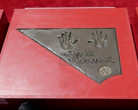 Photo pour Los Angeles - 23 avril : Scarlett Johansson Handprints à la cérémonie d'empreinte de main des membres de castre de Avengers au théâtre chinois de Tcl le 23 avril 2019 à Los Angeles, Ca - image libre de droit