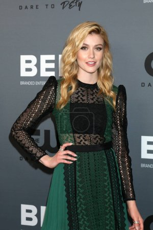 Photo pour LOS ANGELES - 4 AOÛT : Katherine McNamara à la CW Summer TCA All-Star Party au Beverly Hilton Hotel le 4 août 2019 à Beverly Hills, CA - image libre de droit