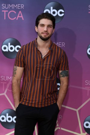Photo pour LOS ANGELES - 15 AOÛT : Bryan Craig à l'ABC Summer TCA All-Star Party à la SOHO House le 15 août 2019 à West Hollywood, CA - image libre de droit