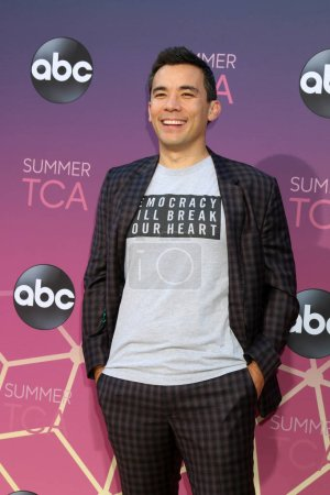 Photo pour LOS ANGELES - 15 AOÛT : Conrad Ricamora à l'ABC Summer TCA All-Star Party à la SOHO House le 15 août 2019 à West Hollywood, CA - image libre de droit
