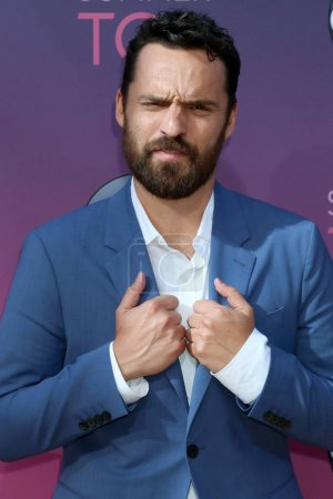 Photo pour LOS ANGELES - 15 AOÛT : Jake Johnson à l'ABC Summer TCA All-Star Party à la SOHO House le 15 août 2019 à West Hollywood, CA - image libre de droit
