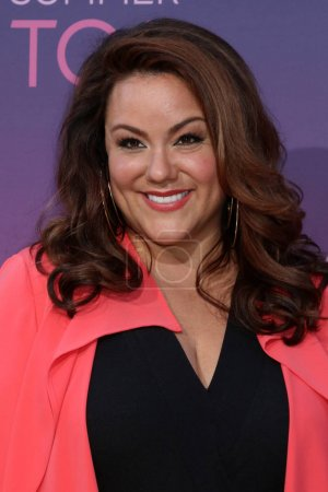 Photo pour LOS ANGELES - 15 AOÛT : Katy Mixon à l'ABC Summer TCA All-Star Party à la SOHO House le 15 août 2019 à West Hollywood, CA - image libre de droit