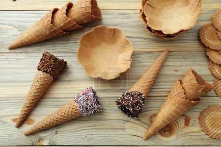 accessories to serve ice cream cones wafer wafers pans