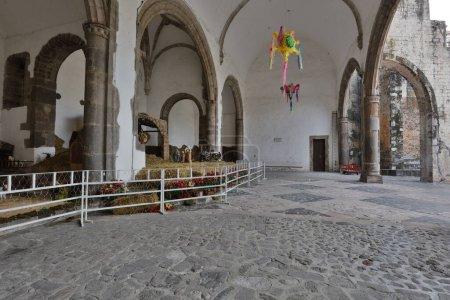 Photo pour Intérieur de la vieille église chrétienne au Mexique - image libre de droit