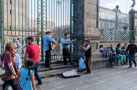 Photo pour Vie urbaine traditionnelle à Mexico - image libre de droit