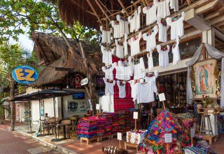 Photo pour Marché dans la ville mexicaine touristique - image libre de droit
