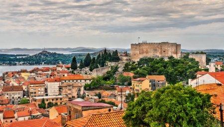 Photo pour Forteresse St. Michaels ou St. Annes à Sibenik, Croatie - image libre de droit
