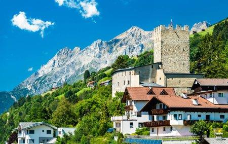 Schloss Bideneck in Fliess, Österreich
