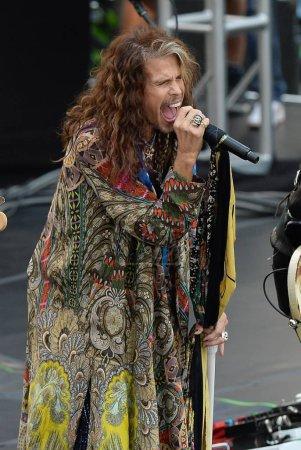 Steven Tyler Aerosmith on stage
