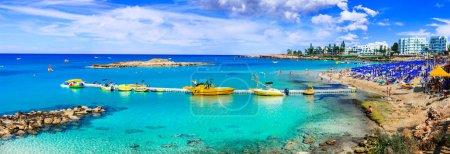 Photo pour Vacances d'été à l'île de Chypre. Protaras, vue panoramique baie figuier. - image libre de droit