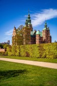 """Постер, картина, фотообои """"Величественный вид красивых исторических дворца против голубого неба, Копенгаген, Дания"""""""