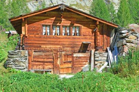 Chalet de montaña suizo tradicional