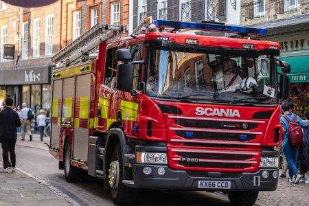 Photo pour Cambridge, Royaume-Uni, le 1er août 2019. Appareils d'incendie également connus sous le nom de pompes à incendie ou d'appels d'offres utilisés par les services d'incendie au Royaume-Uni . - image libre de droit