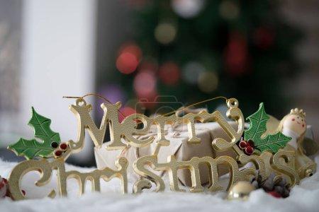 Photo pour Décoration de Noël sur fond déconcentré, gros plan - image libre de droit