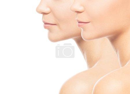 Photo pour Collage de deux portraits de la même vieille fille et de la même jeune fille. Concept lifting visage, vieillissement et soins de la peau . - image libre de droit