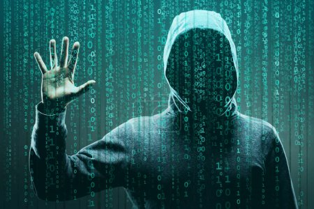 Computerhacker in Maske und Kapuzenpulli vor abstraktem binären Hintergrund. verdunkeltes dunkles Gesicht. Datendieb, Internetbetrug, Darknet und Cyber-Sicherheitskonzept.