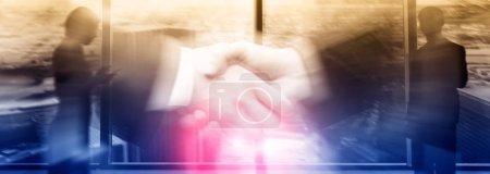 Photo pour Relations humaines et structure organisationnelle. Médias sociaux. Concept de technologie des affaires et des communications . - image libre de droit