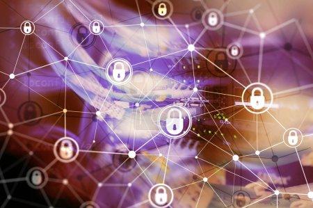 Foto de Ciber seguridad, privacidad de la información, concepto de protección de datos en fondo de sala moderno servidor. Internet y tecnología digital concepto - Imagen libre de derechos