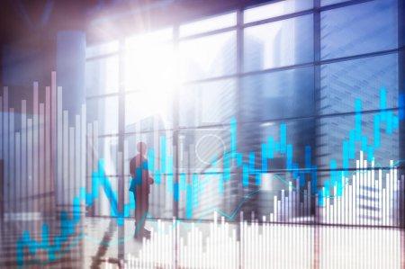 Photo pour Stock trading chandeliers et diagrammes sur fond centre bureau floue. - image libre de droit
