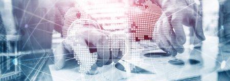Photo pour Hologramme 3D de la terre sur l'arrière-plan flou. Concept global d'entreprise et de la communication. - image libre de droit