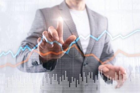 Photo pour Affaires investissement de Trading financier concept graphique écran virtuel double exposition - image libre de droit